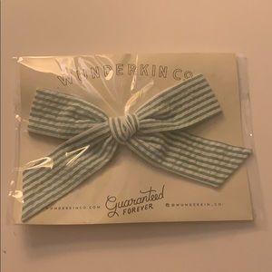Wunderkin Co. Green & White Seersucker Clip Bow